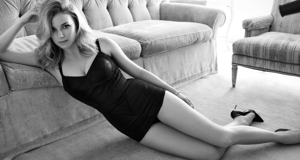 Emily VanCamp Bikini Photoshoot