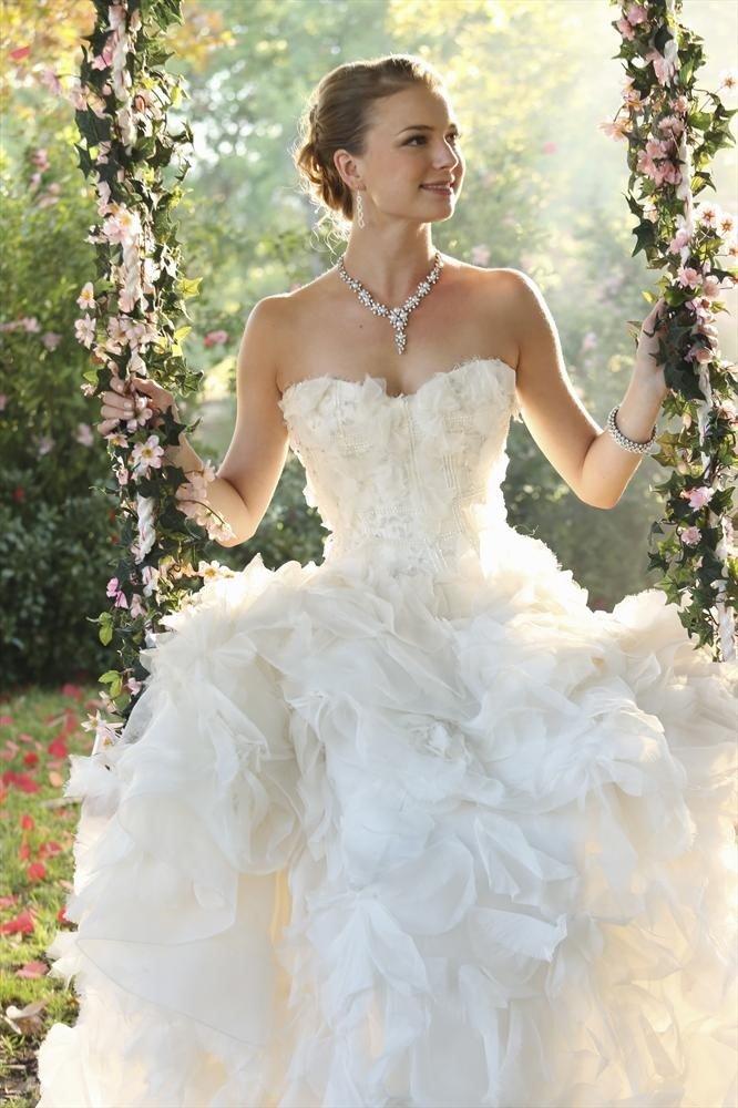 Emily VanCamp Wedding Pics