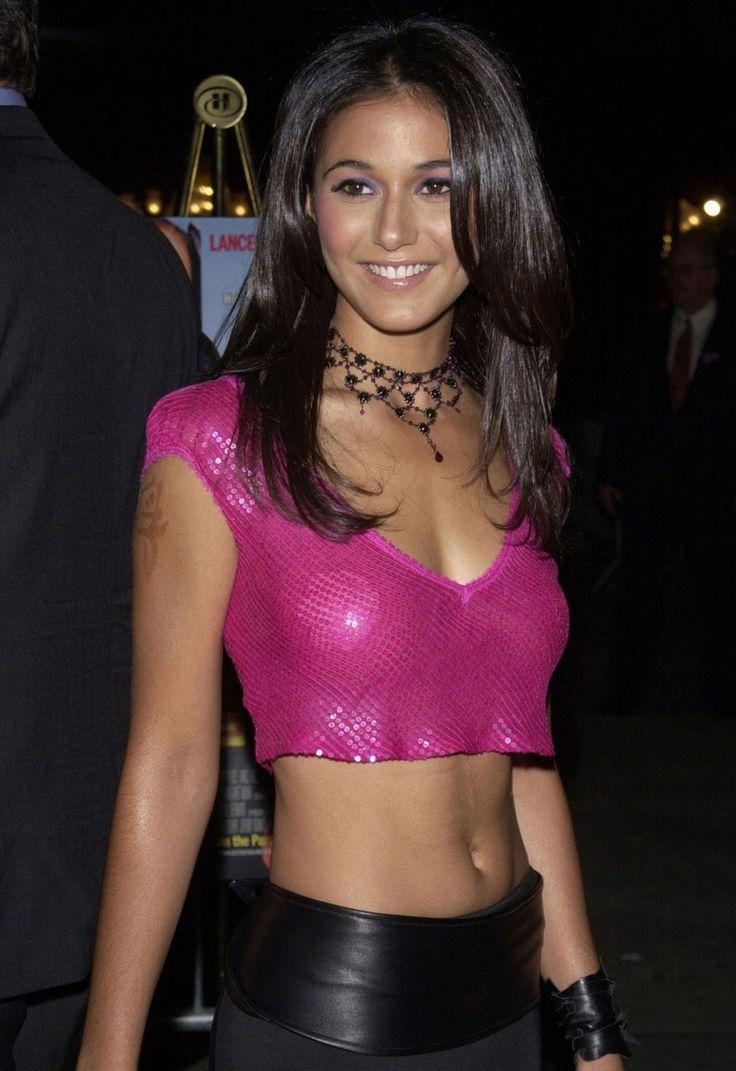 37 Hottest Emmanuelle Chriqui Bikini Pictures Will Explore