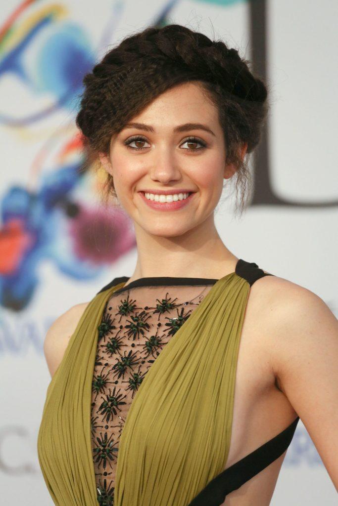 Emmy Rossum New Hair Style Pics