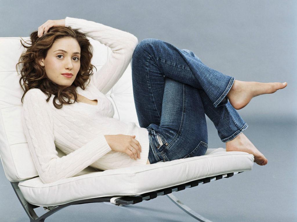Emmy Rossum Sexy Pics