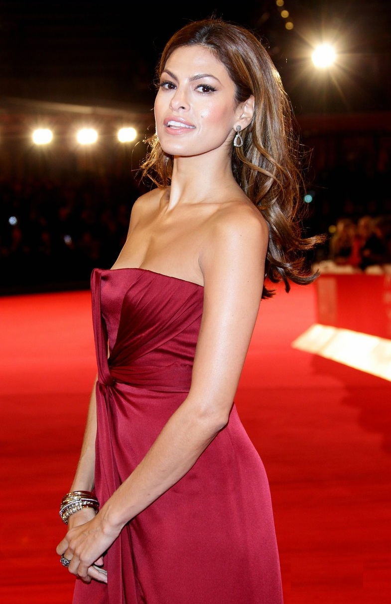 34 Hottest Eva Mendes Bikini Pictures Are Just Too Sexy ...