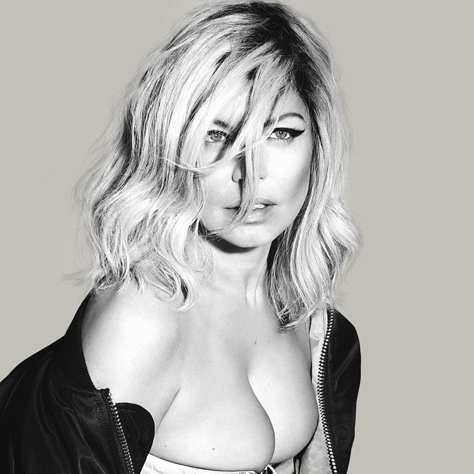 Fergie Without Bra Images