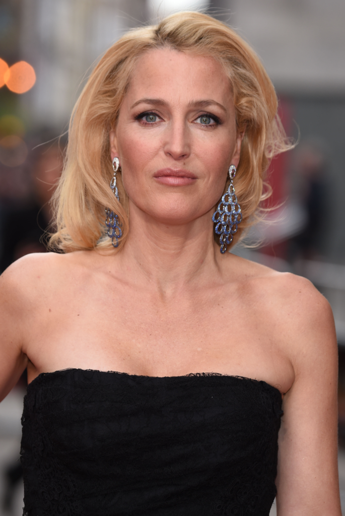 Gillian Anderson Breast Wallpapers