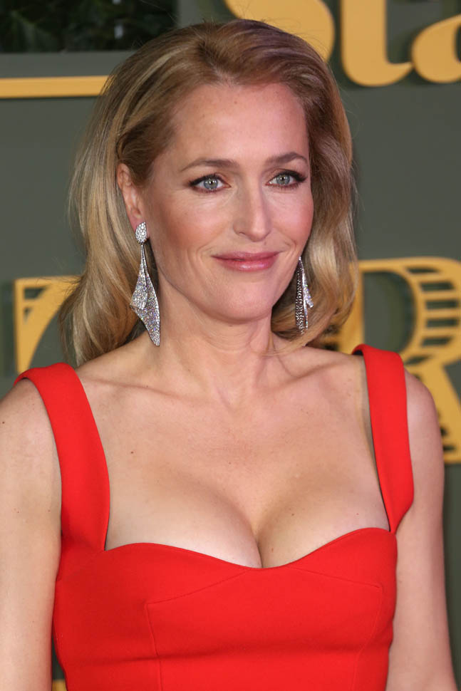 Gillian Anderson Leaked Images