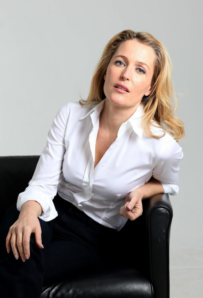 Gillian Anderson Leggings Images