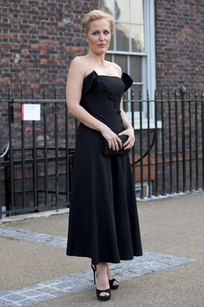 Gillian Anderson Legs Pics