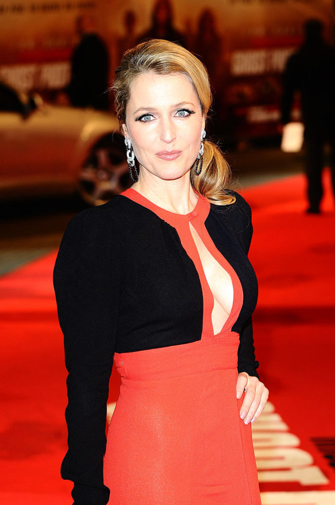 Gillian Anderson Redcarpet Photos