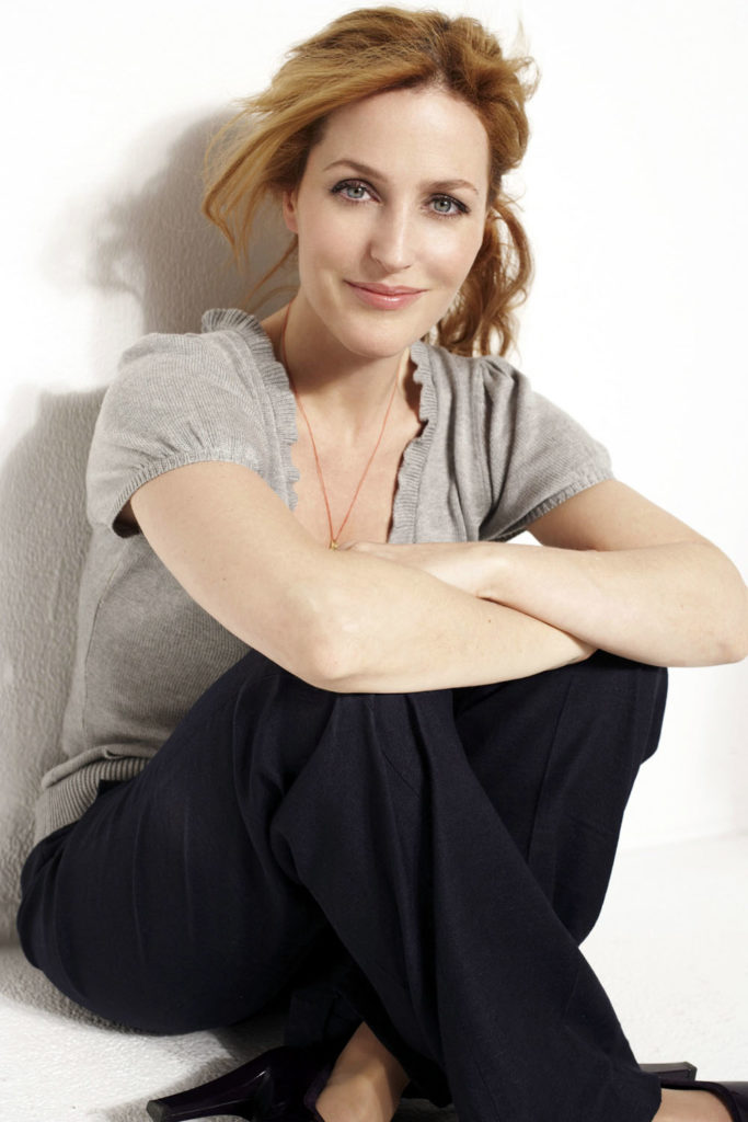 Gillian Anderson Smiling Wallpapers