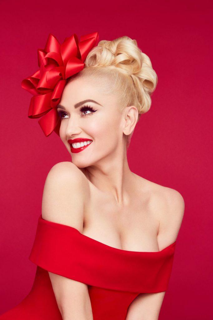 Gwen Stefani Boobs Photos