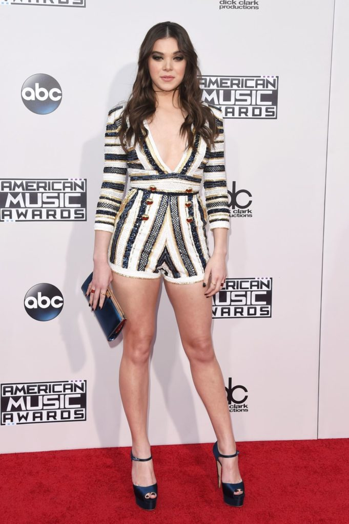 Hailee Steinfeld Feet Wallpapers