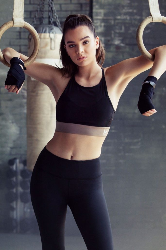 Hailee Steinfeld Leggings Bra Photos