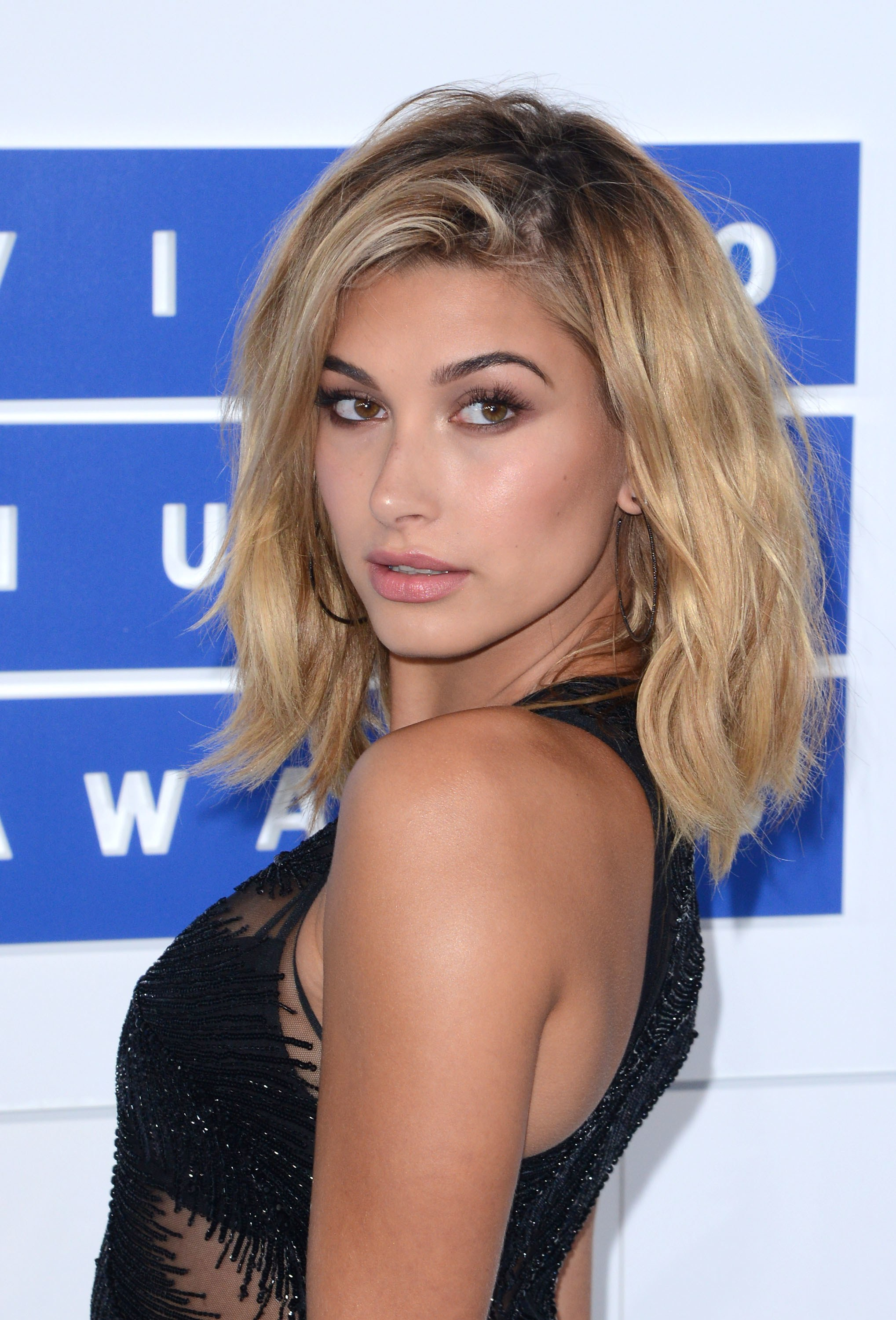 33 Hot Hailey Baldwin Sexy Pictures Will Make You Hot