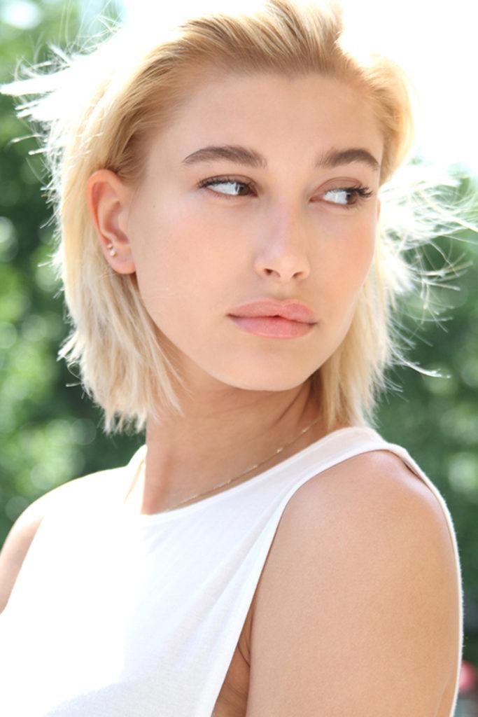 Hailey Baldwin Short Hair Wallpapers