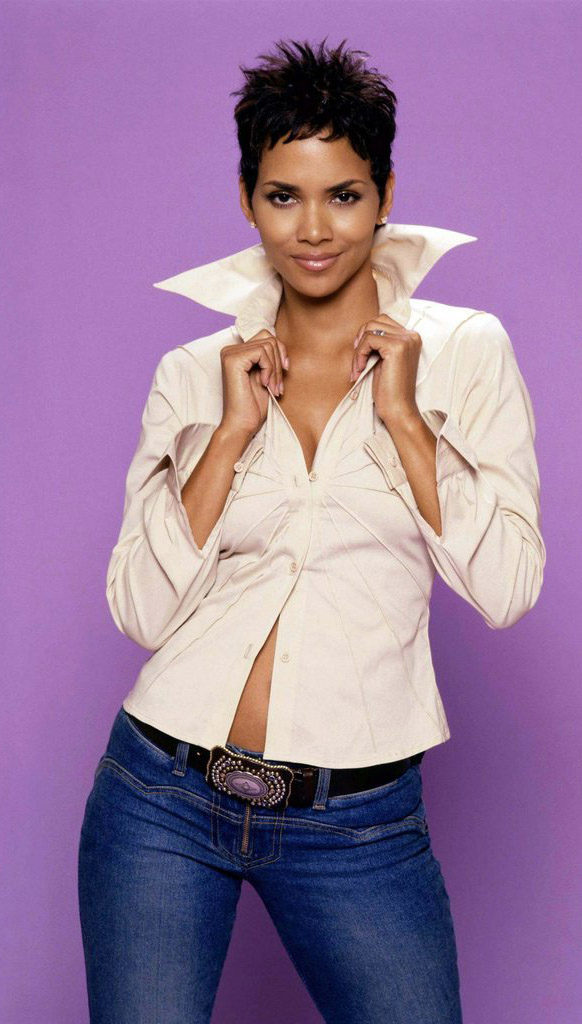 Halle Berry Jeans Wallpapers
