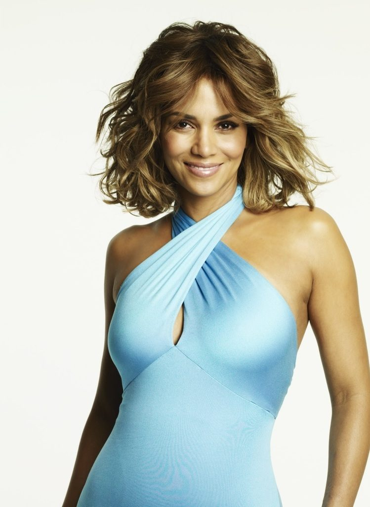 Halle Berry Makeup Images