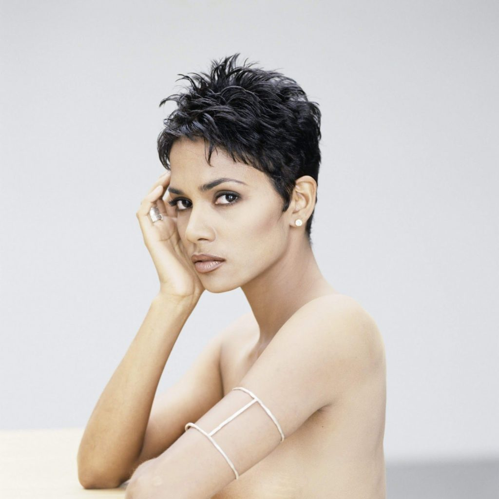 Halle Berry Without Bra Images