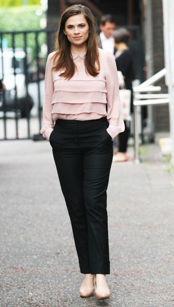 Hayley Atwell Jeans Photos