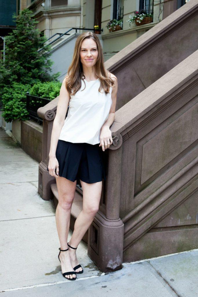 Hilary Swank Legs Wallpapers