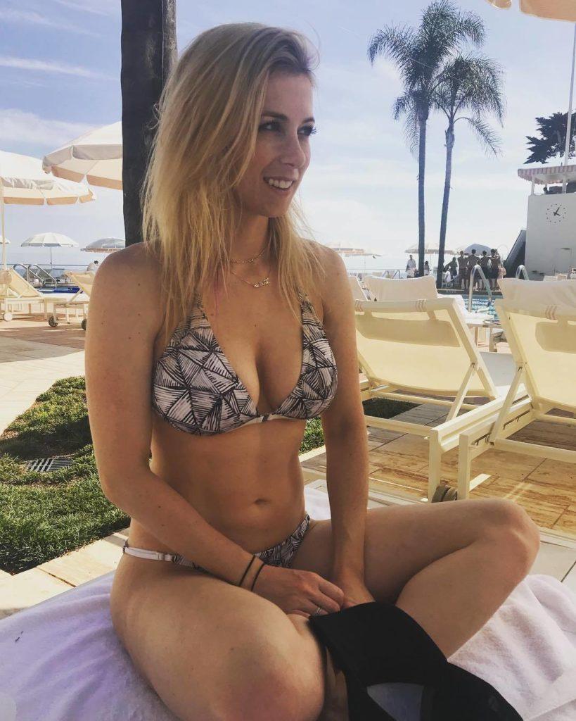 Iliza Shlesinger Bra Bikini Panty Wallpapers