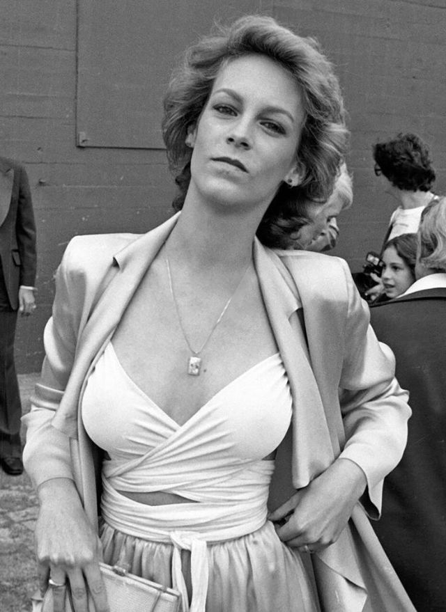Jamie Lee Curtis Bra Pictures