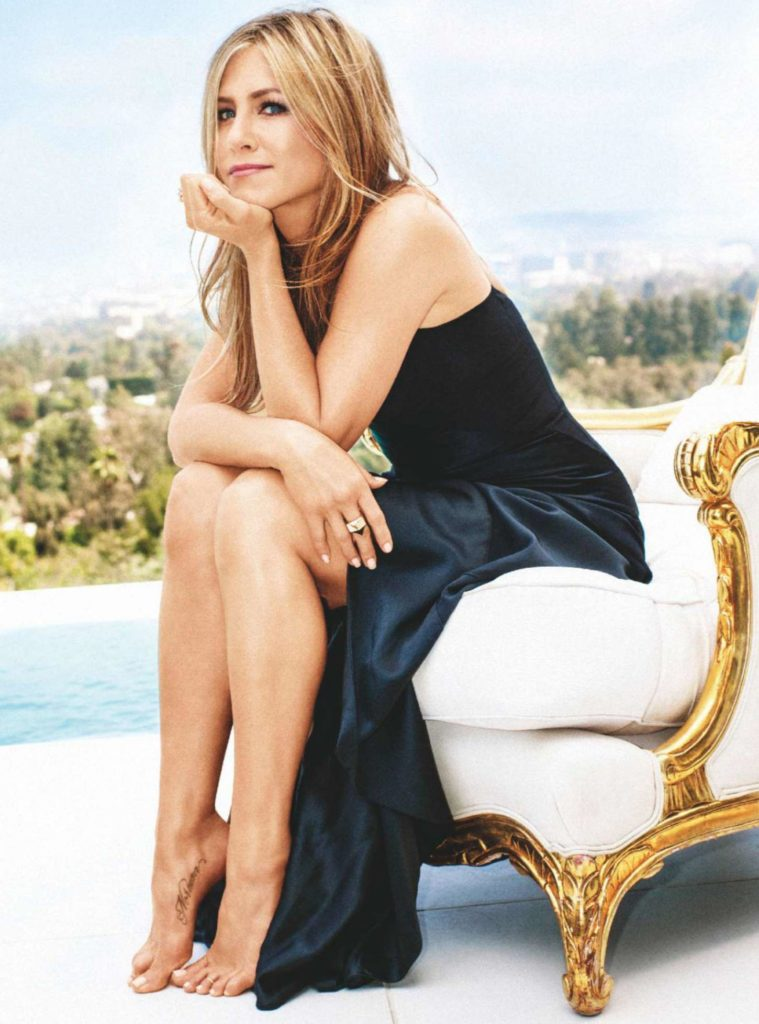Jennifer Aniston Legs Photos