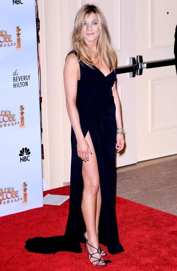 Jennifer Aniston Legs Pics