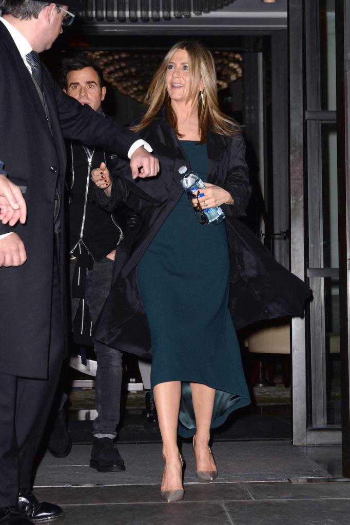Jennifer Aniston Makeup Images