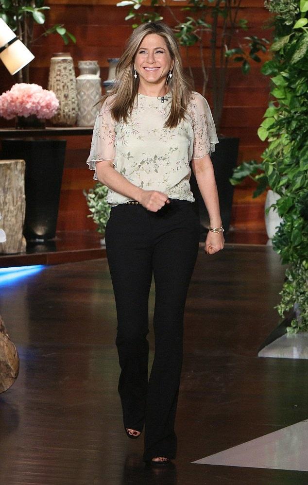 Jennifer Aniston Navel images