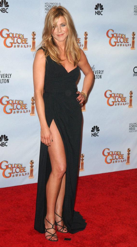 Jennifer Aniston Thigh Wallpapers