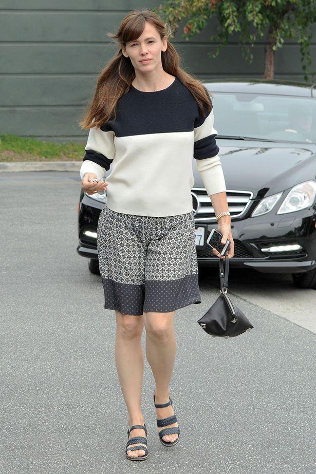 Jennifer Garner Pants Images