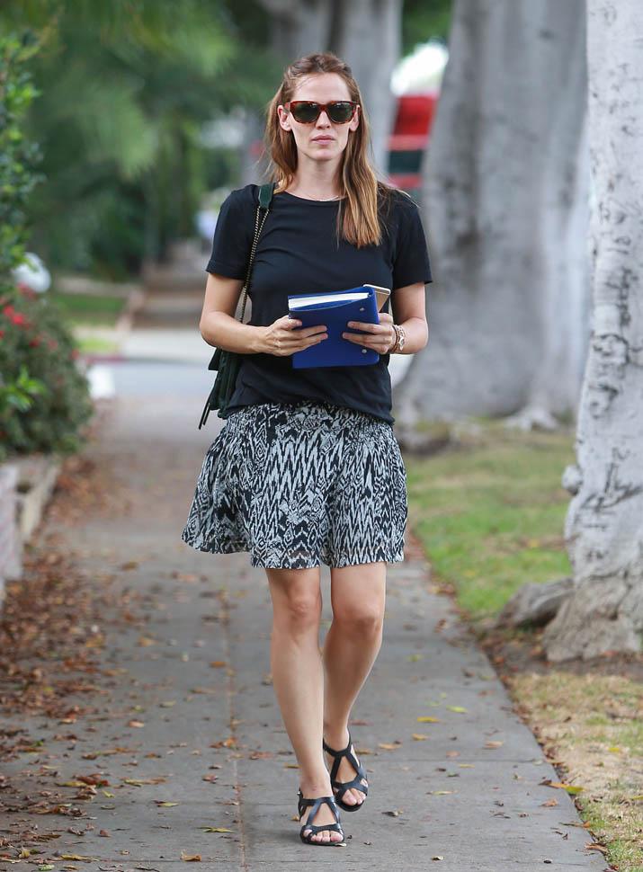 Jennifer Garner Thighs Wallpapers