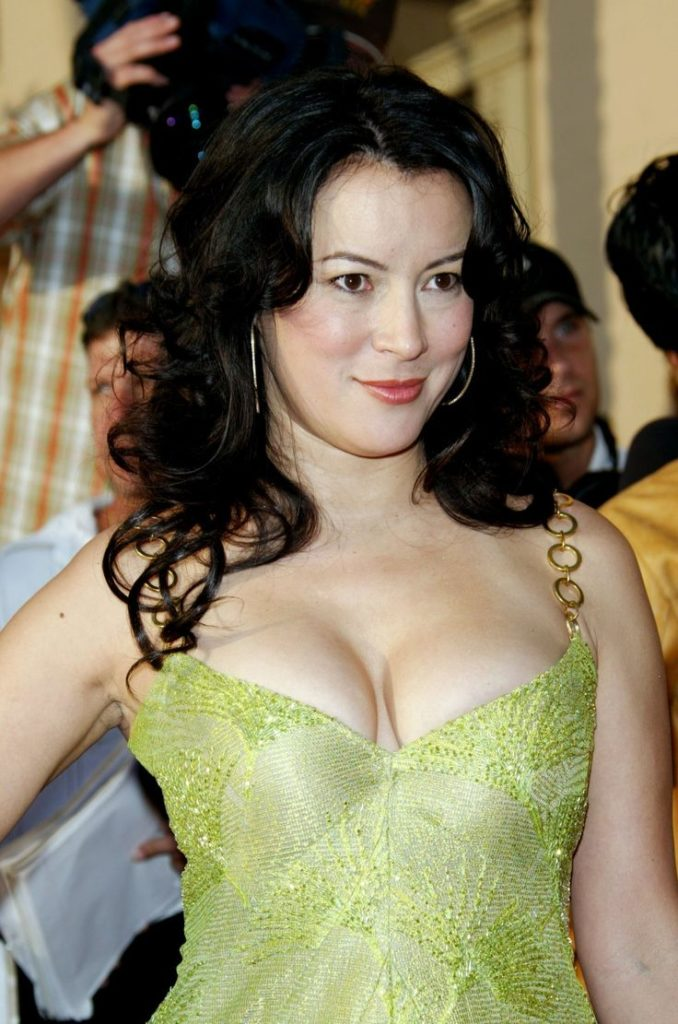 35 Hot Sexy Jennifer Tilly Bikini Pictures Will Make Fall In Love With Her