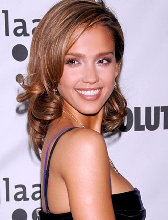 Jessica Alba Backless Pictures