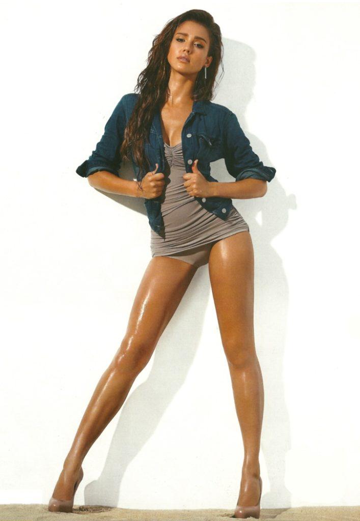 Jessica Alba Swimsuit Pics