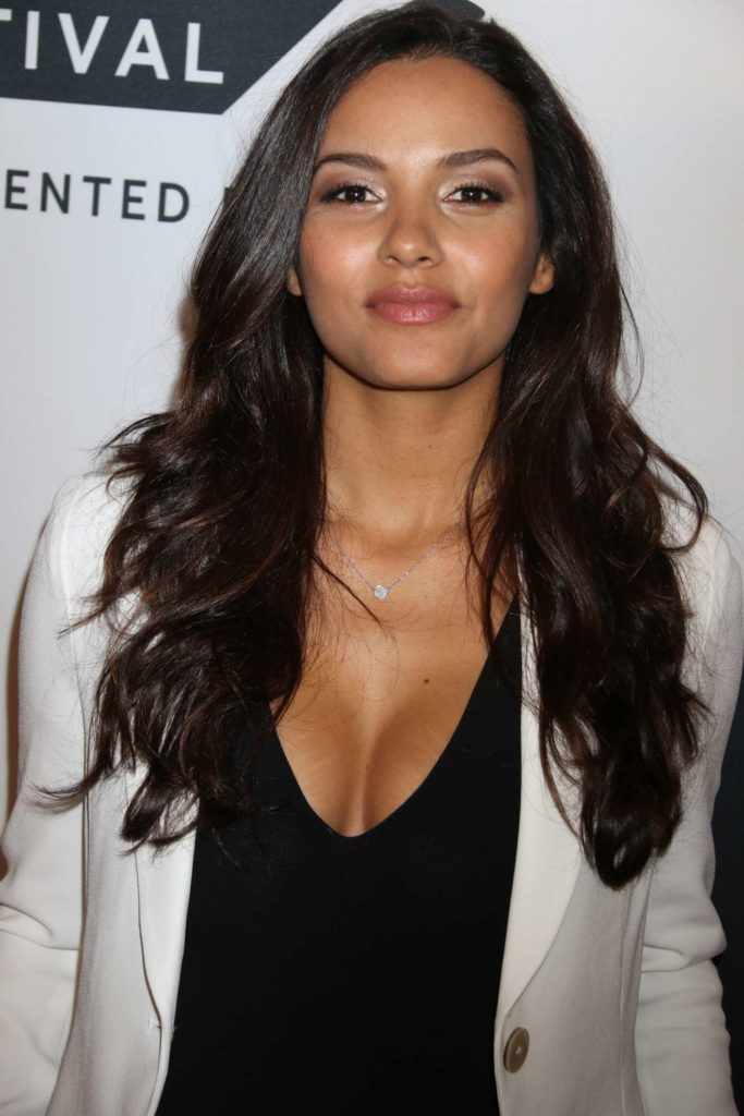 Jessica Lucas Boobs Photos