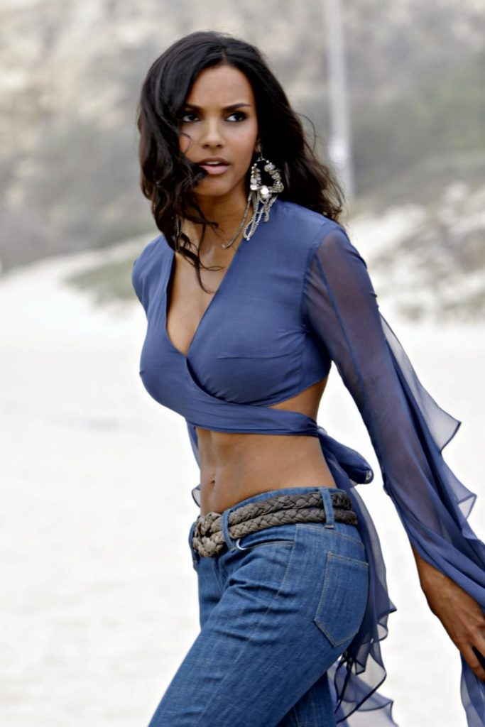 Jessica Lucas Jeans Photos
