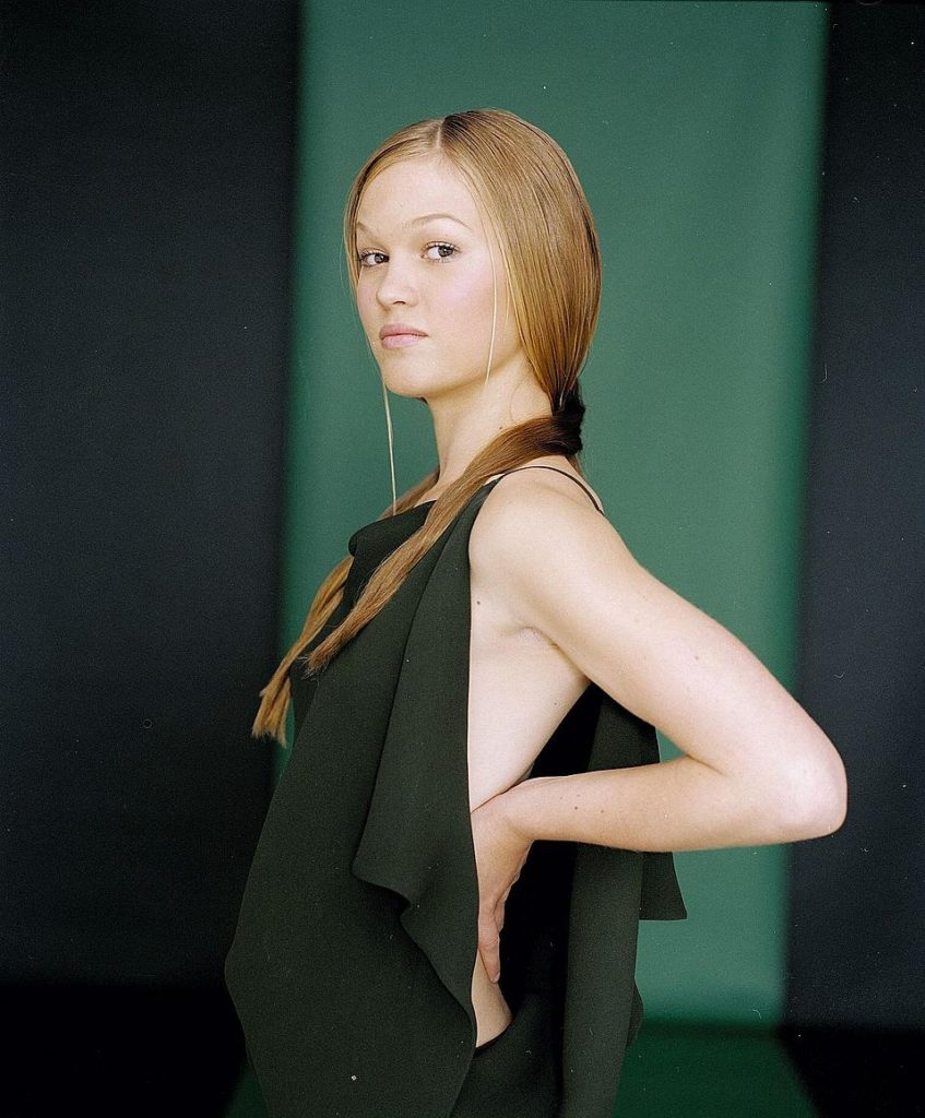 Julia Stiles Muscles Pics