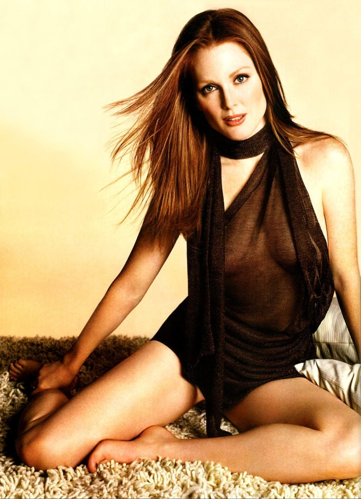 Julianne Moore Bikini Pictures