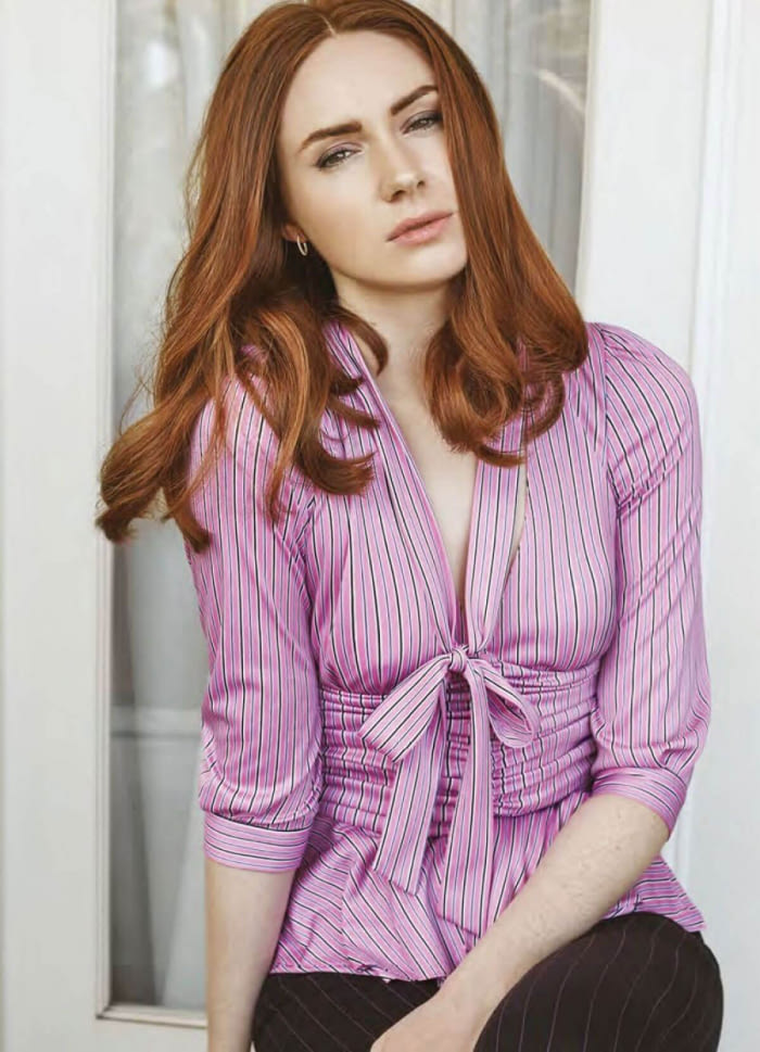 Karen Gillan Jeans Pictures
