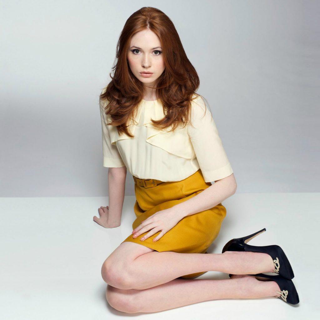 Karen Gillan Legs Images