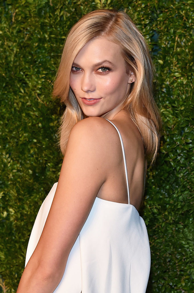 Karlie Kloss Backless Pictures