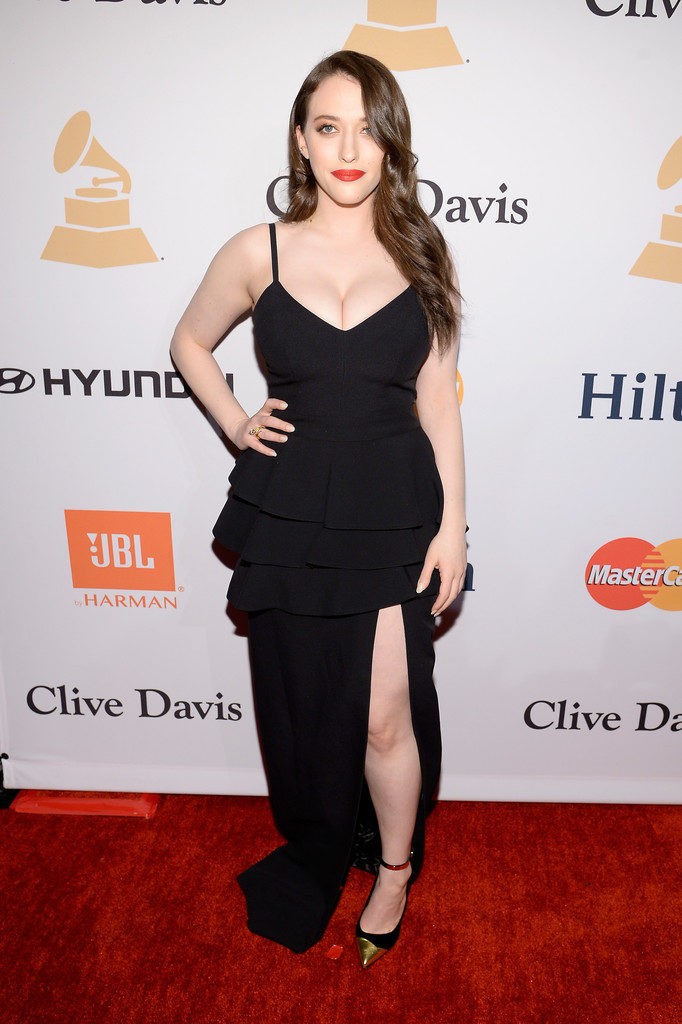 Kat Dennings Legs Photos