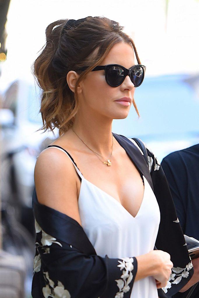 Kate Beckinsale Boobs Pics