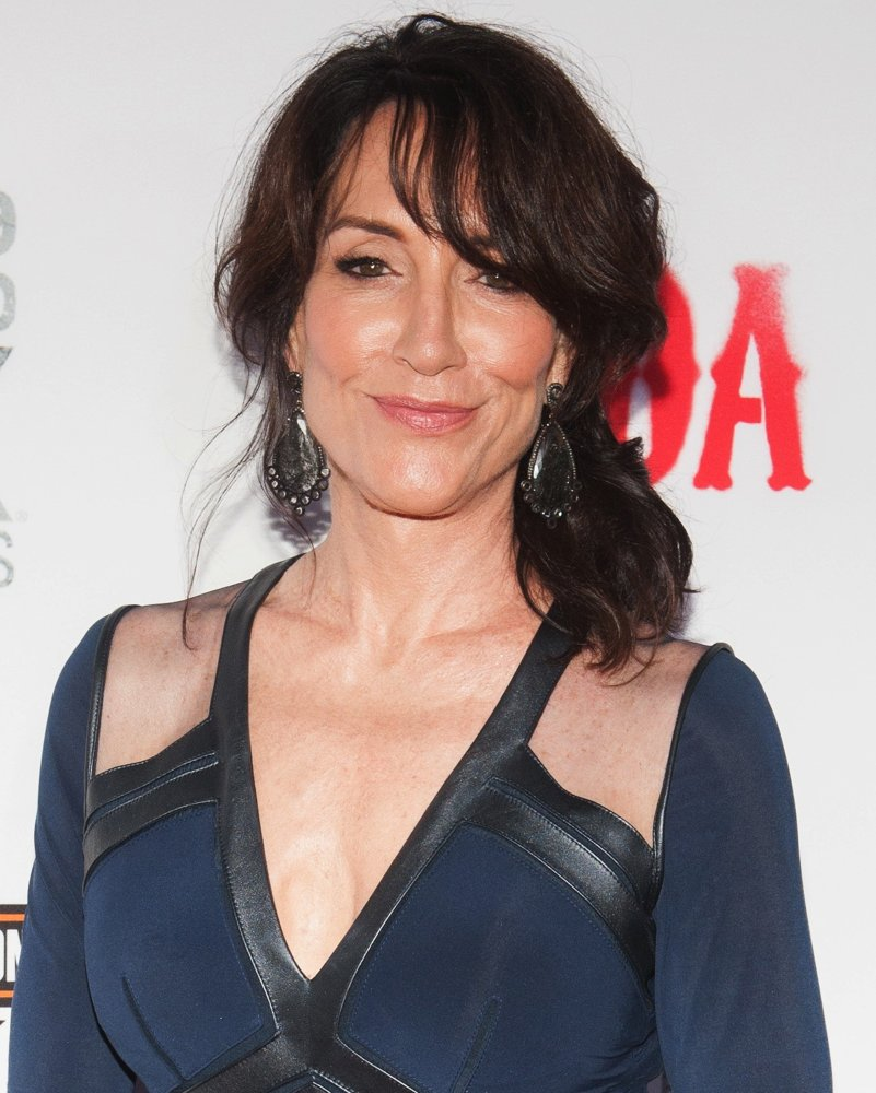 Katey Sagal Bra Photos