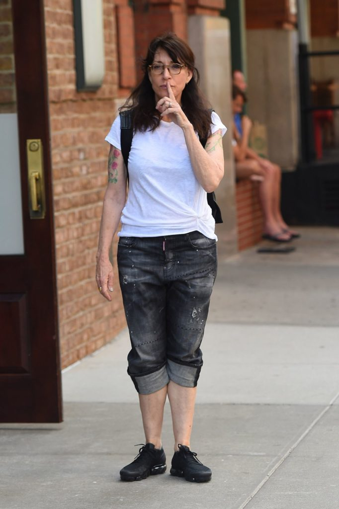 Katey Sagal Yoga Pants Images