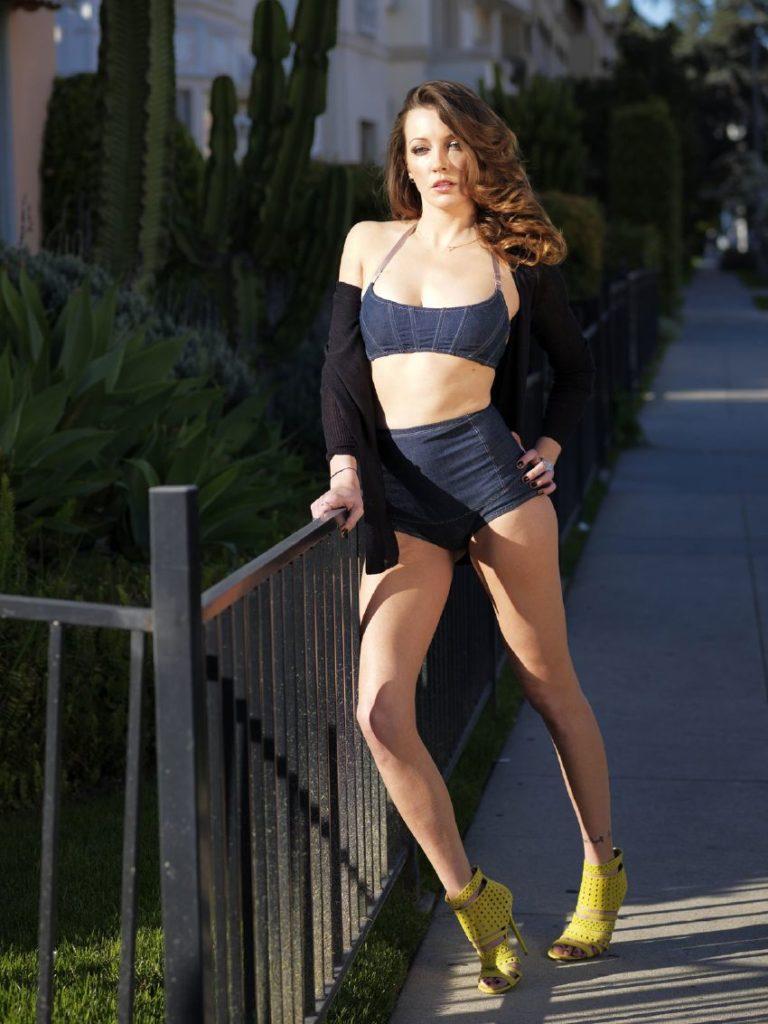 Katie Cassidy Bra Swimsuit Images