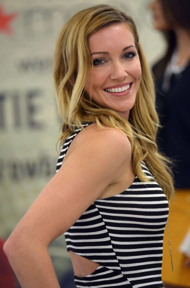Katie Cassidy Hot Images