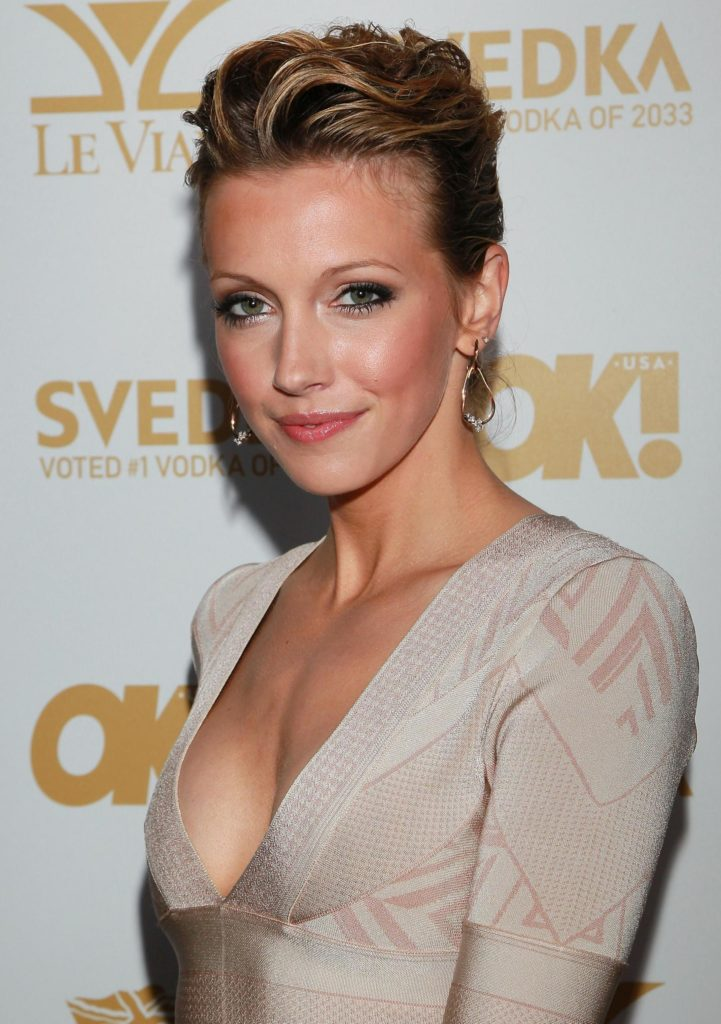 Katie Cassidy Short Hair Pictures