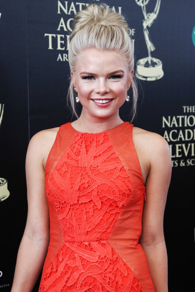 Kelli Goss Pants Photos